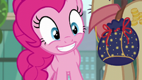 "Pinkie Pie ""couldn't help but notice"" S6E3"