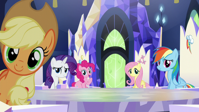 File:Main ponies looking at Twilight S5E22.png