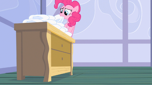 File:Pinkie Pie getting diapers S2E13.png
