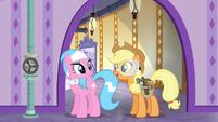 "Applejack ""ponies won't get so cold"" S6E10"