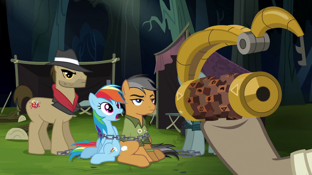 File:Caballeron holding the Griffon's Lock S6E13.png