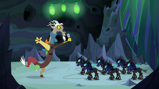 File:Discord greeting the changeling guards S6E26.png