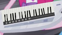 Keytar in Pinkie's hands EG2