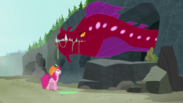 File:Pinkie Pie encounters a quarray eel S7E4.png
