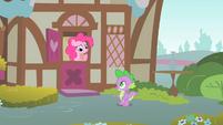 Pinkie Pie thinking S1E24