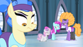 Sapphire Shores and dancers unimpressed S4E19.png