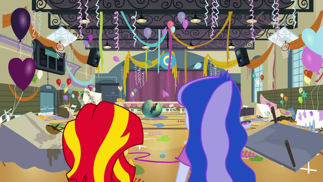 File:Sunset and Luna in ruined gym EG.png
