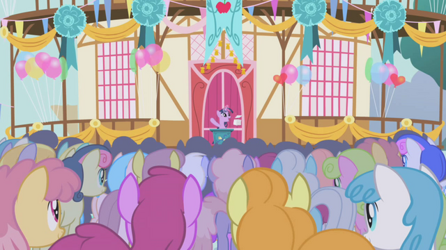 File:Twilight tries to give a speech S1E04.png