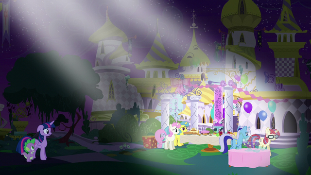 File:Moon Dancer leaving her own party S5E12.png