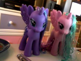 File:Princess Luna and Celestia toys.png