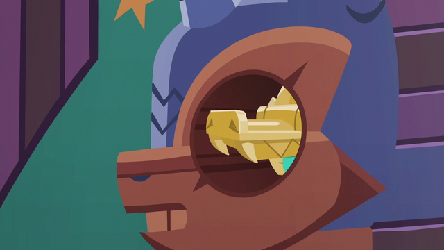 File:Amulet of Culiacan slides into keyhole S6E13.png