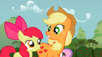 Applejack talks to Apple Bloom S2E05