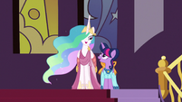 Princess Celestia talking with Twilight S5E7