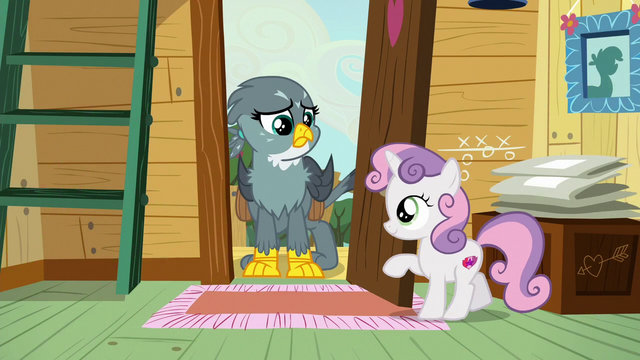 File:Sweetie Belle opens clubhouse door for Gabby S6E19.png