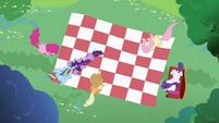 Twilight Sparkle putting hoof on Rainbow Dash S2E03