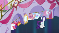 Rarity hangs up the last dress S5E14