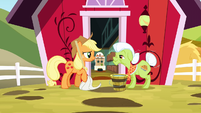 Applejack and Granny Smith proud of their hard work S3E9