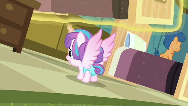 File:Flurry Heart looking under Aquamarine's bed S7E3.png