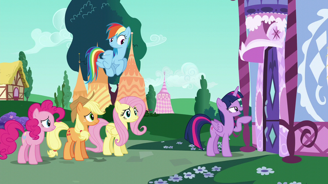 File:Twilight about to knock on Rarity's door S6E9.png