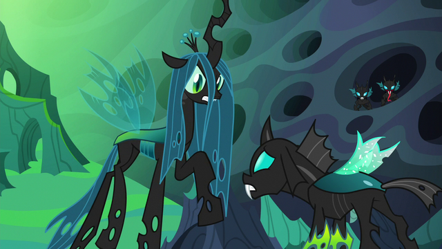 File:Queen Chrysalis looking angry at Thorax S6E26.png