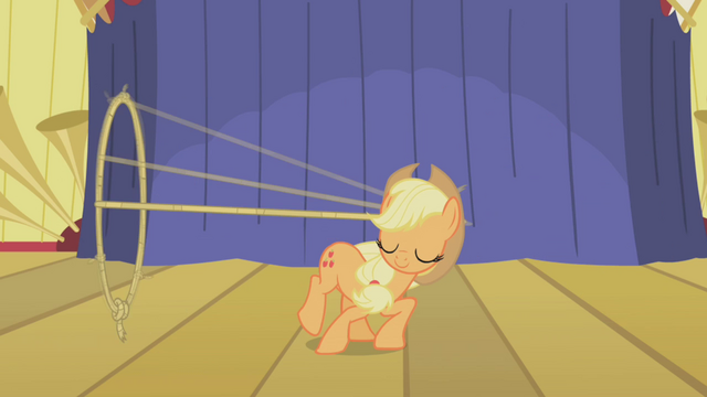 File:Applejack showing her talents S01E06.png
