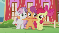 Scootaloo hugging her best friends S5E18