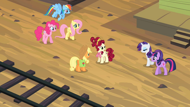 File:Main six gather around Cherry Jubilee S2E14.png