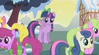 Ponies walk away from Twilight S1E11