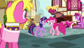 Pinkie's fans not laughing at Twilight S7E14.png