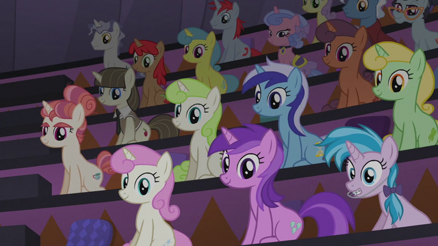 File:Twilight Sparkle's audience right side S5E25.png