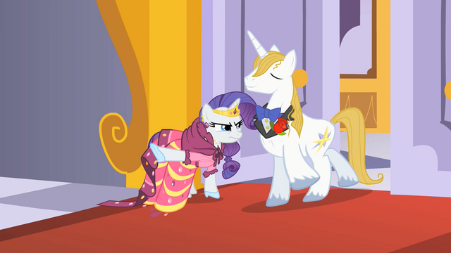 File:Rarity letting Prince Blueblood through S1E26.png