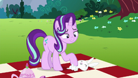 Starlight playing with Angel S6E6