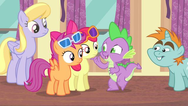 "File:Spike ""cheer up"" S4E19.png"