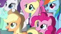 Twilight's friends in awe S4E02