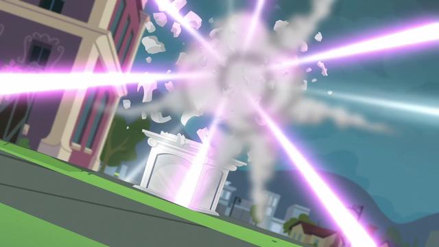File:Wondercolt statue explodes EG3.png