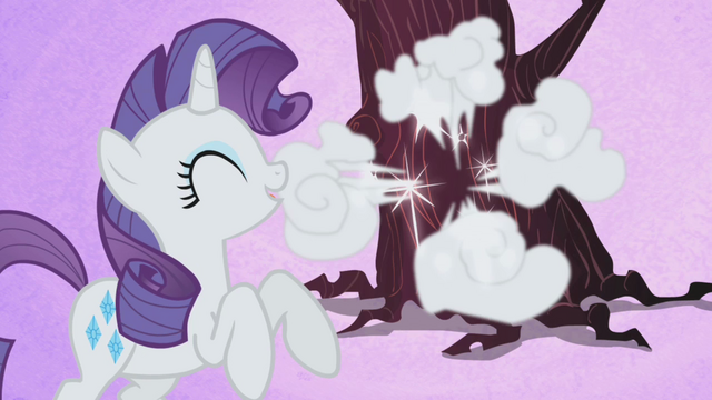 File:Rarity giggling S1E2.png