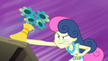 Sweetie Drops doing angry floral arrangement EG3.png