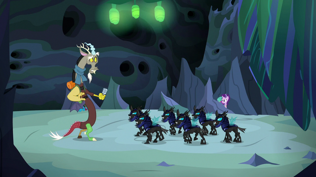 File:Changeling guards advance upon Discord S6E26.png