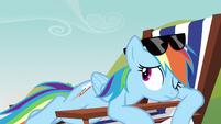 Rainbow Dash peek S3E3