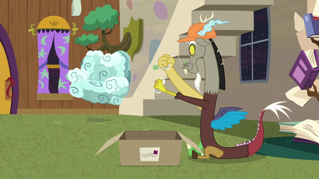 File:Discord packs singing ginseng bags in a box S7E12.png