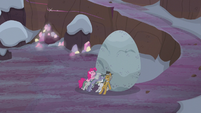 Pie family trying to push Holder's Boulder S5E20