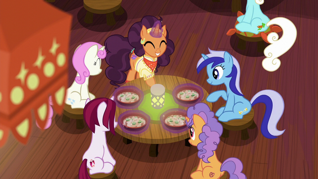 File:Saffron serving flat-noodle soup to ponies S6E12.png