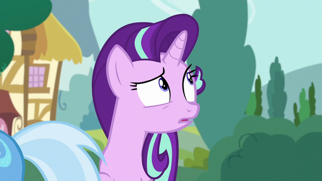 File:Starlight Glimmer looking behind her S6E6.png