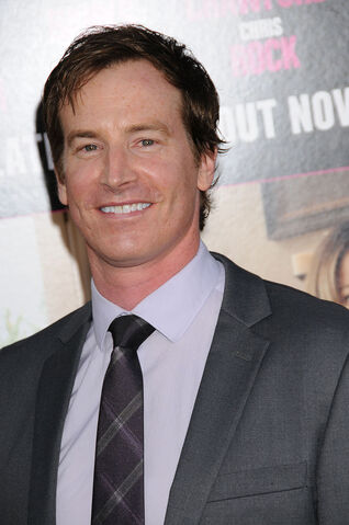 File:Rob Huebel.jpg