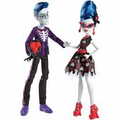 Doll stockphotography - Love's Not Dead Sloman and Ghoulia