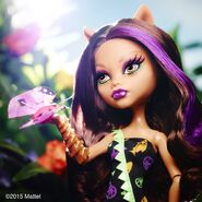 Diorama - Clawdeen with the flower