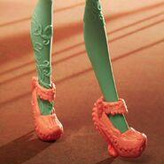Diorama - Honey's shoes