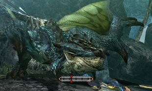MH4U-Azure Rathalos Head Break 001
