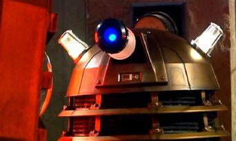 Dalek thay 001