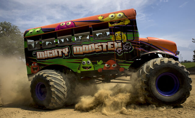 File:Mighty Monster Bus driving.jpg